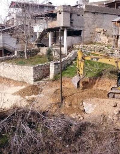 Tarsus Belediyesi vatandaşların 60 yıllık yol hasretine son verdi