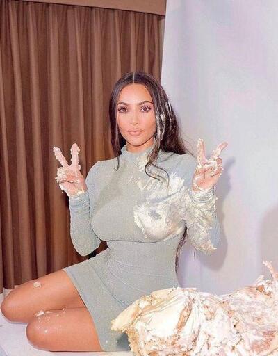 Kim Kardashian mutfakta hünerlerini sergiledi
