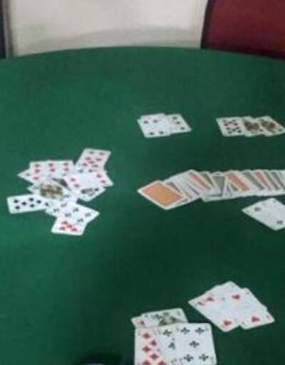 Koronavirüse rağmen kumar oynayan 15 kişiye 62 bin 800 lira ceza