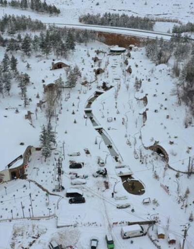 """Sivas'ta kar altındaki """"Hobbit Evleri"""" ilgi görüyor"""