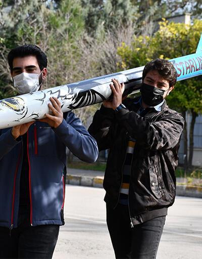 Adana'da öğrenciler yüksek irtifa roketi geliştirdi
