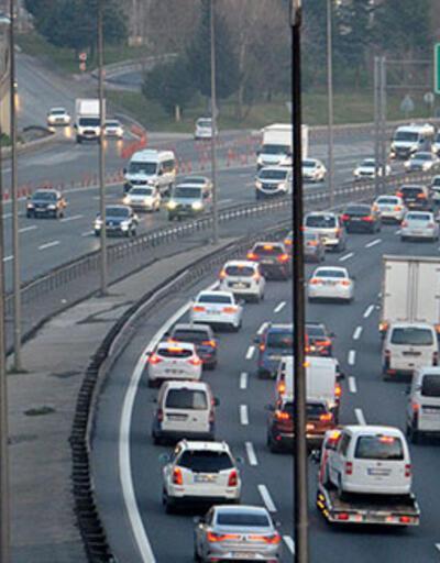 İstanbul'da kısıtlama öncesi trafikte yoğunluk
