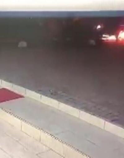 Seyir halindeki motosiklet alev alev yandı, kurye yanmaktan son anda kurtuldu