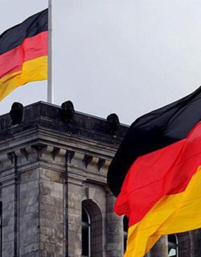 Almanya'da koronavirüs tedbirleri 7 Mart'a kadar uzatıldı