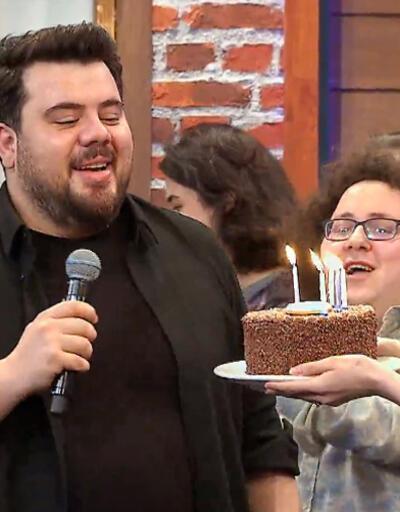 Eser Yenenler'e doğum günü sürprizi