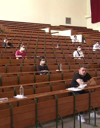 Üniversitelerde eğitime iki senaryo