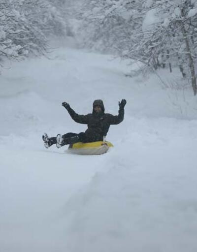 """Ormanya'da kar ziyaretçiler için """"eğlenceye"""" dönüştü"""