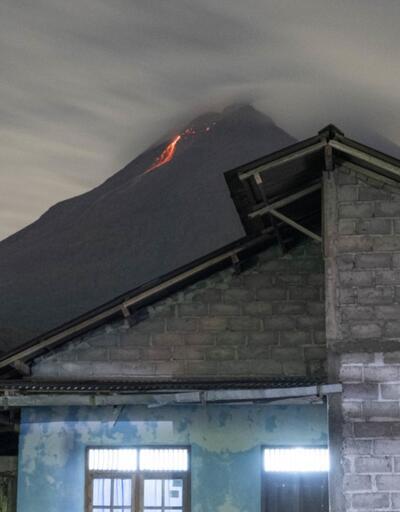 Endonezya'da Merapi Yanardağı'nda volkanik hareketlilik