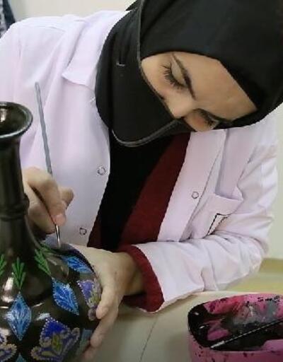 Şanlıurfalı kadınlar sanat atölyeleriyle hayata tutunuyorlar