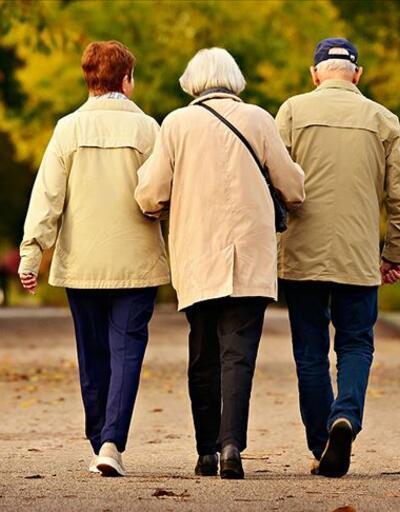 65 yaş üstü sokağa çıkma yasağı bitiyor mu?