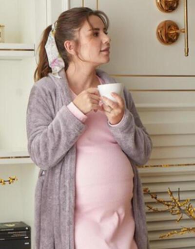 Merve Özbey ilk kez annelik heyecanı yaşadı