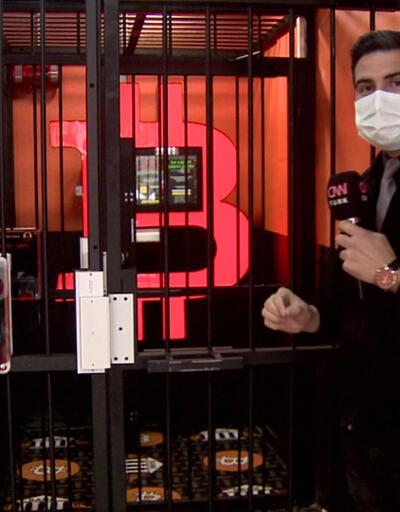 Kafes içinde kripto para ATM'si