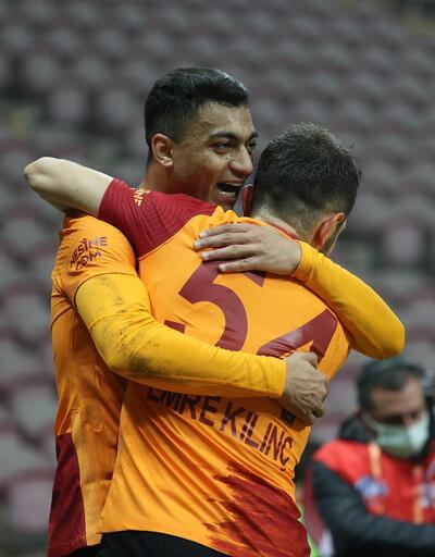 Son dakika... Mostafa Mohamed, Falcao'yu yakaladı!