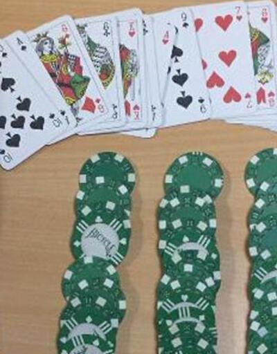 Kıraathanede kumar oynayan 19 kişiye ceza kesildi