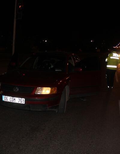 Polisin 'dur' ihtarına uymayan otomobildeki 2 kişi, kovalamacayla yakalandı