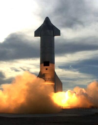 SpaceX'in Mars'a göndermeyi planladığı Starship aracı, deneme uçuşu sonrası infilak etti