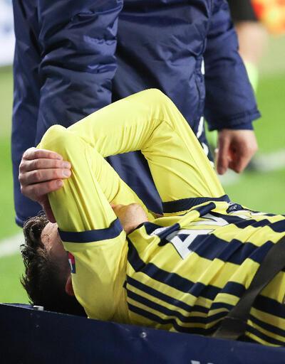 Mesut Özil'in ayak bileği döndü