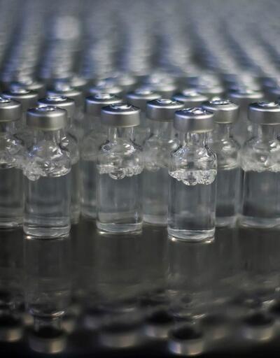 İngiltere'de yaygın olarak kullanılan iki aşı karşılaştırıldı: Yan etki oranı iki kat fazla