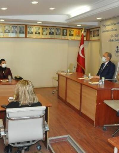 Akşehir Belediye Başkanı, belediyenin kadın çalışanlarıyla bir araya geldi