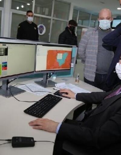 Vali Doruk, 112 Acil Çağrı Merkezi'nde ilk çağrıyı karşıladı