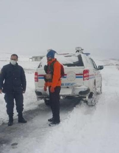 Karda mahsur kalan vatandaş kurtarıldı