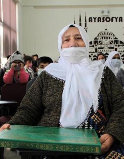 70 yaşında Kur'an-ı Kerim okumayı öğrendi