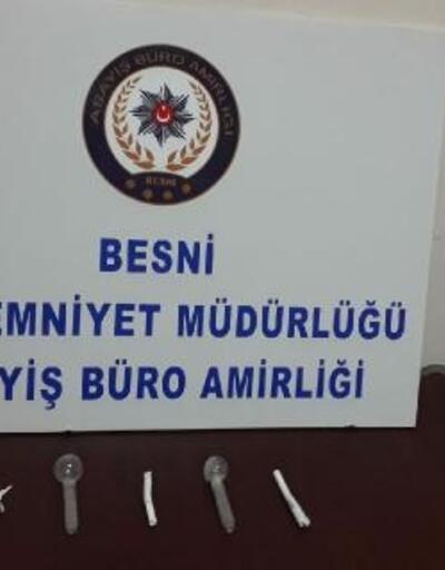 Besni'de uyuşturucuya 3 gözaltı