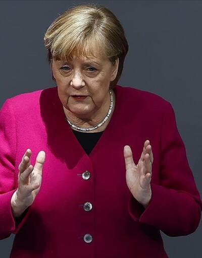 Merkel tedbir almayan eyalet başbakanlarına seslendi