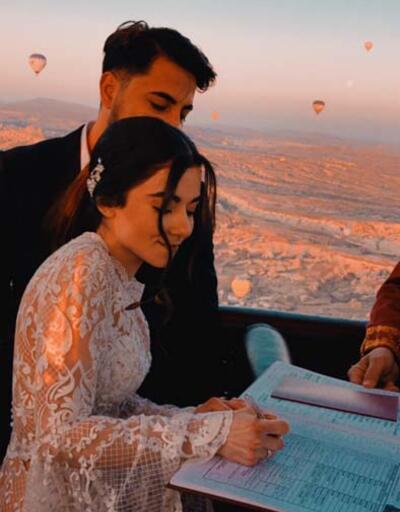 Kapadokya'da sıcak hava balonunda dünya evine girdiler