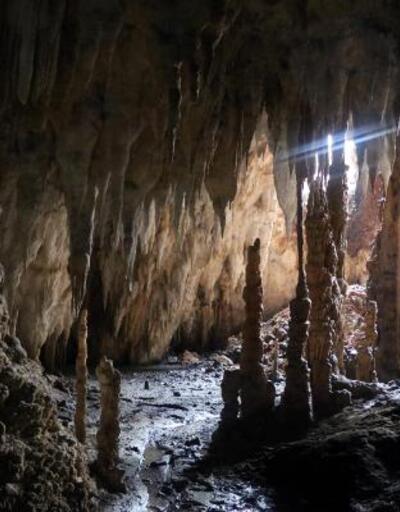 Tünel inşaatında mağara ortaya çıktı