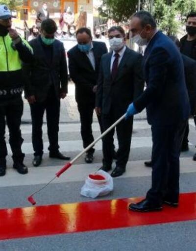 Kilis'te, yaya geçitlerine 'kırmızı çizgi' uygulaması