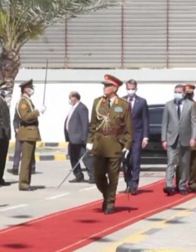 Yunanistan Başbakanı Miçotakis Libya'ya gitti