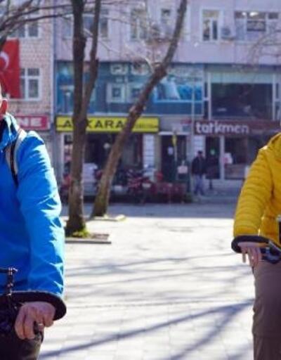 Bisikletle dünya turuna çıkan Fransız çift Lüleburgaz'da