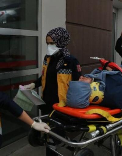 Adıyaman'da TIR'ın çarptığı araçtaki 4 kişi yaralandı