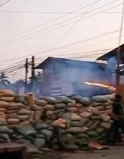 Myanmar'da ölü sayısı 700'ü geçti