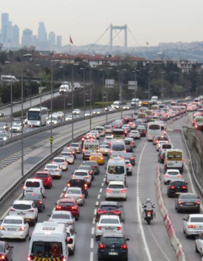 56 saatlik kısıtlama sonrası İstanbul'da trafik yoğunluğu