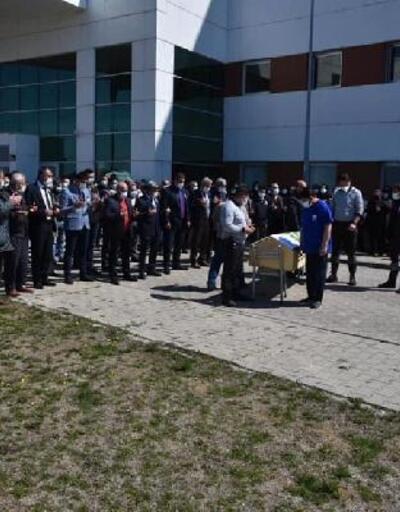 Kalp krizi sonucu hayatını kaybeden eski hastane müdürü toprağa verildi