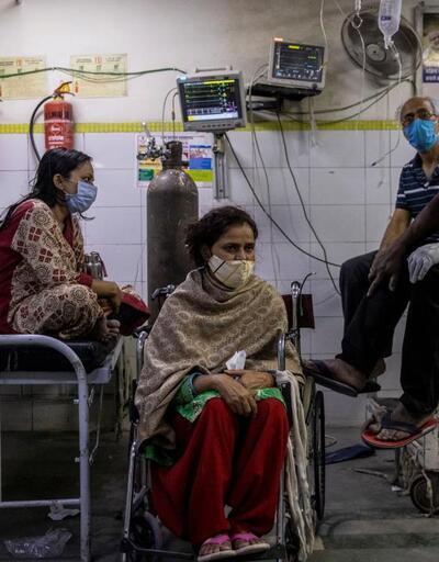 Hindistan'da vahim tablo: Tek yatakta iki hasta