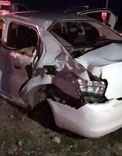 Otomobil ile TIR kavşakta çarpıştı: 3 ölü, 2 yaralı