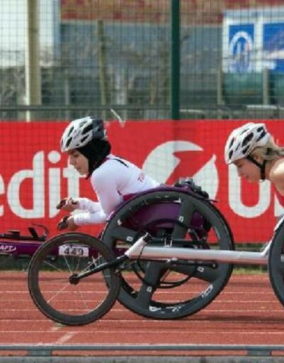 Bağcılar'ın engelli sporcuları İtalya'dan madalyayla döndü