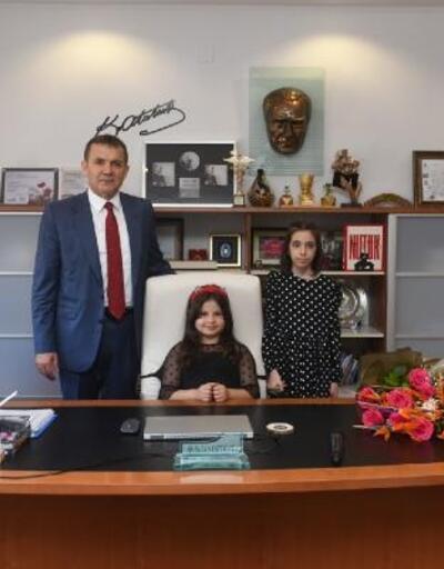 Başkan Özyiğit, koltuğunu çocuklara devretti