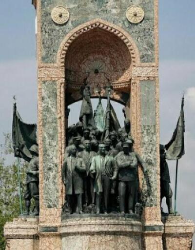 Taksim Cumhuriyet Anıtı'nda yıllardır fark edilmeyen ayrıntı