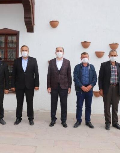 Konya  Büyükşehir Belediye Başkanı Uğur İbrahim Altay mahalle muhtarlarıyla bir araya geldi