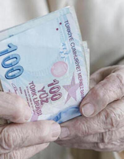 Son dakika... Milyonlarca emekli merakla bekliyordu! Bayram ikramiyesi ücreti belli oldu