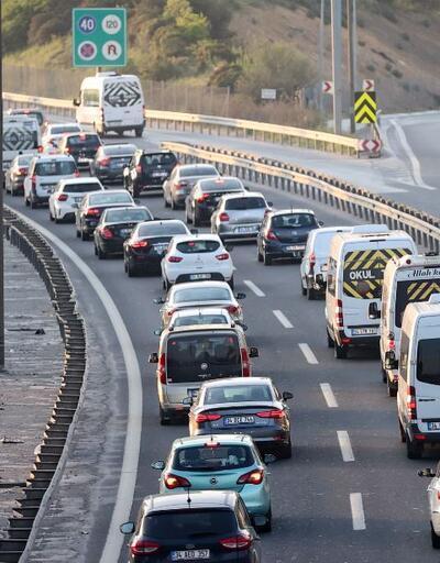 Tam kapanma öncesi trafik yoğunluğu