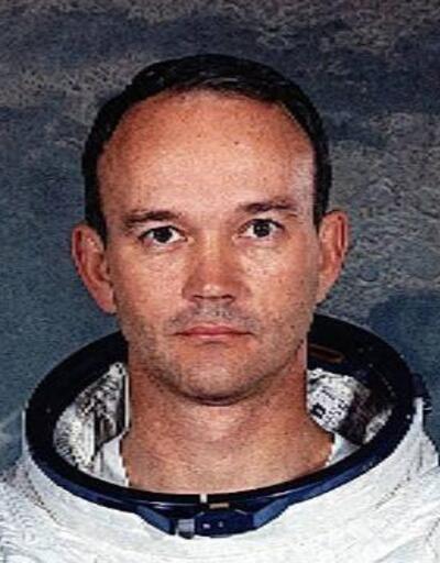 Ay'a ilk ayak basan ekibin pilotu Michael Collins yaşamını yitirdi
