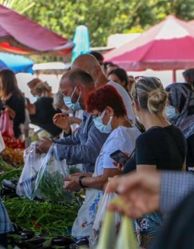 Antalya'da 'tam kapanma' öncesi yoğunluk