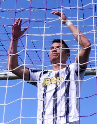 Son dakika... Cristiano Ronaldo Juventus'tan ayrılıyor!