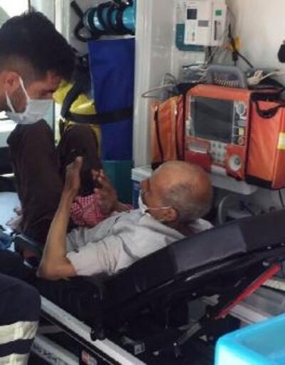 Otomobil çarpmasıyla yaralandı
