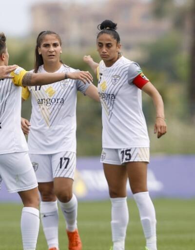 Kadınlar Futbol Ligi'nde üçüncü belli oldu